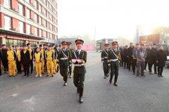 尊重梦想,照亮前路——太原万通汽车学校升国旗仪式