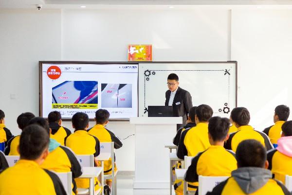 二手车评估培训学校_太原万通汽修学校
