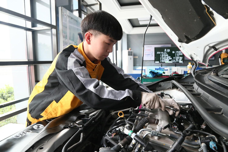 专业课程篇_太原万通汽车学校