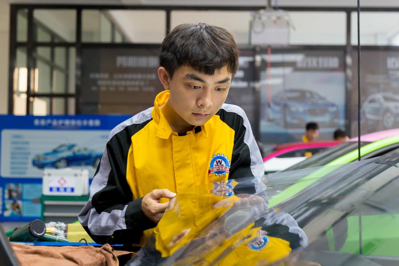 二手车的飞速发展促进汽车美容行业的发展