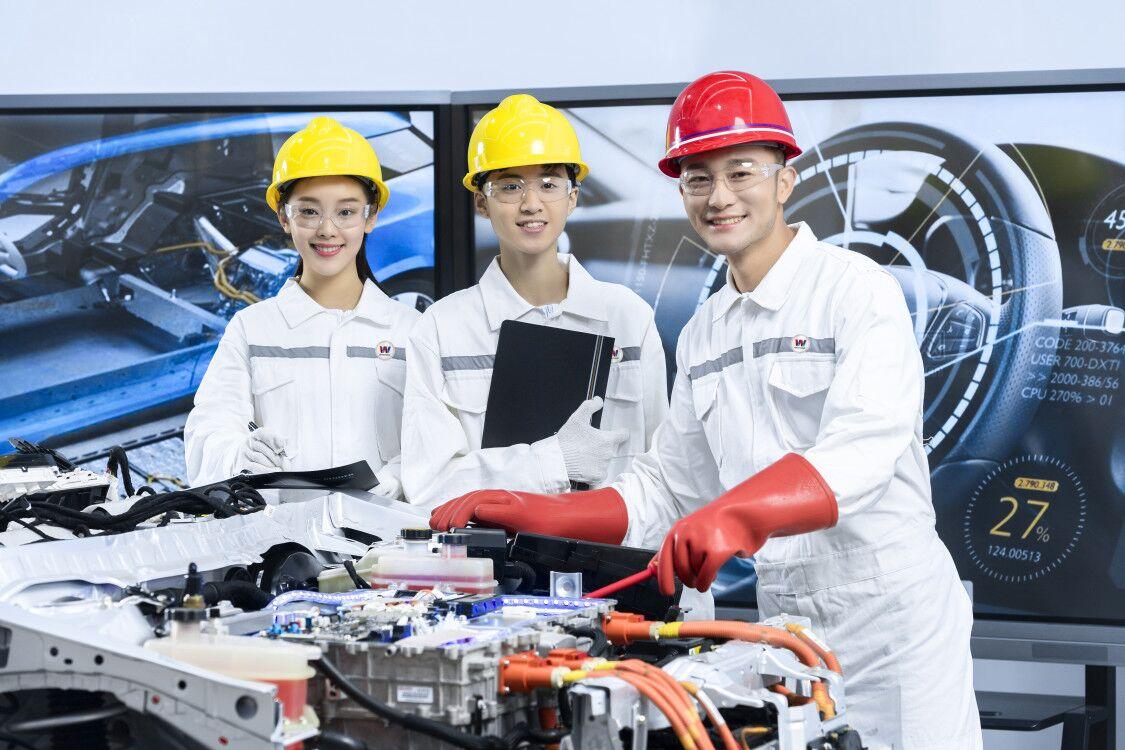 汽修专业_汽车运用与新能源技术工程师