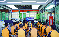 技术总监来校授课,助力学子成功就业