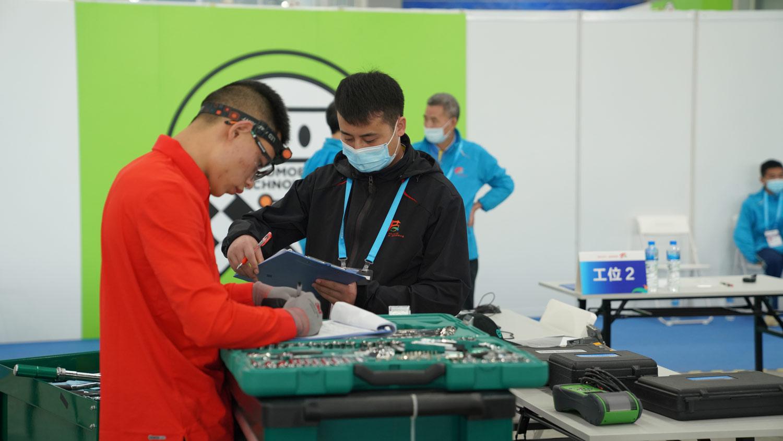 从首届全国技能大赛看汽车技术人才的未来!