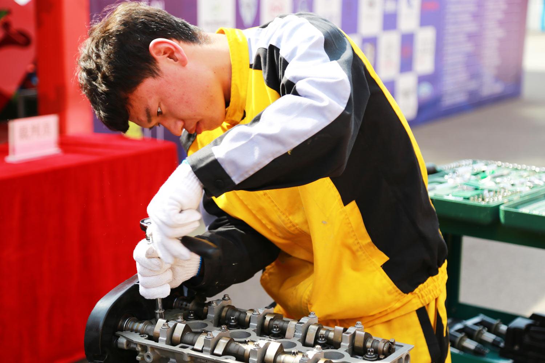 关于职业技能提升,今年又有好消息_太原万通汽车学校